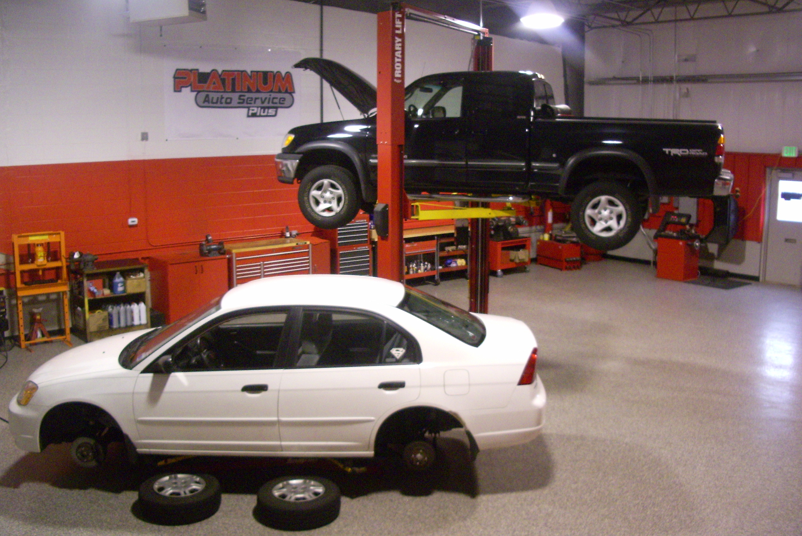 auto mechanics What are the pros and cons of a career as a mechanic get real job descriptions, career outlook and salary info to see if becoming a mechanic is .