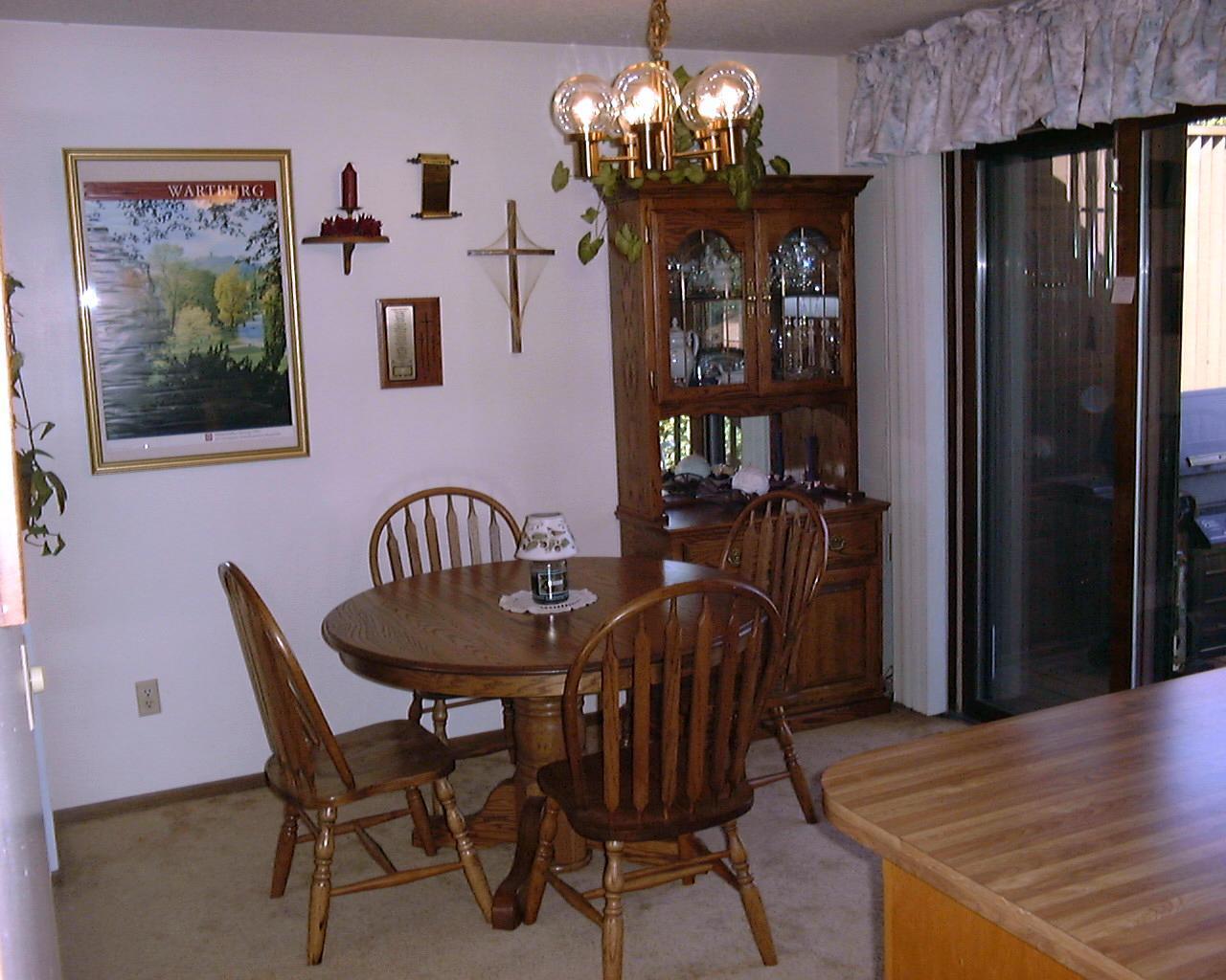 Sunddining room for Tiffany d dining room