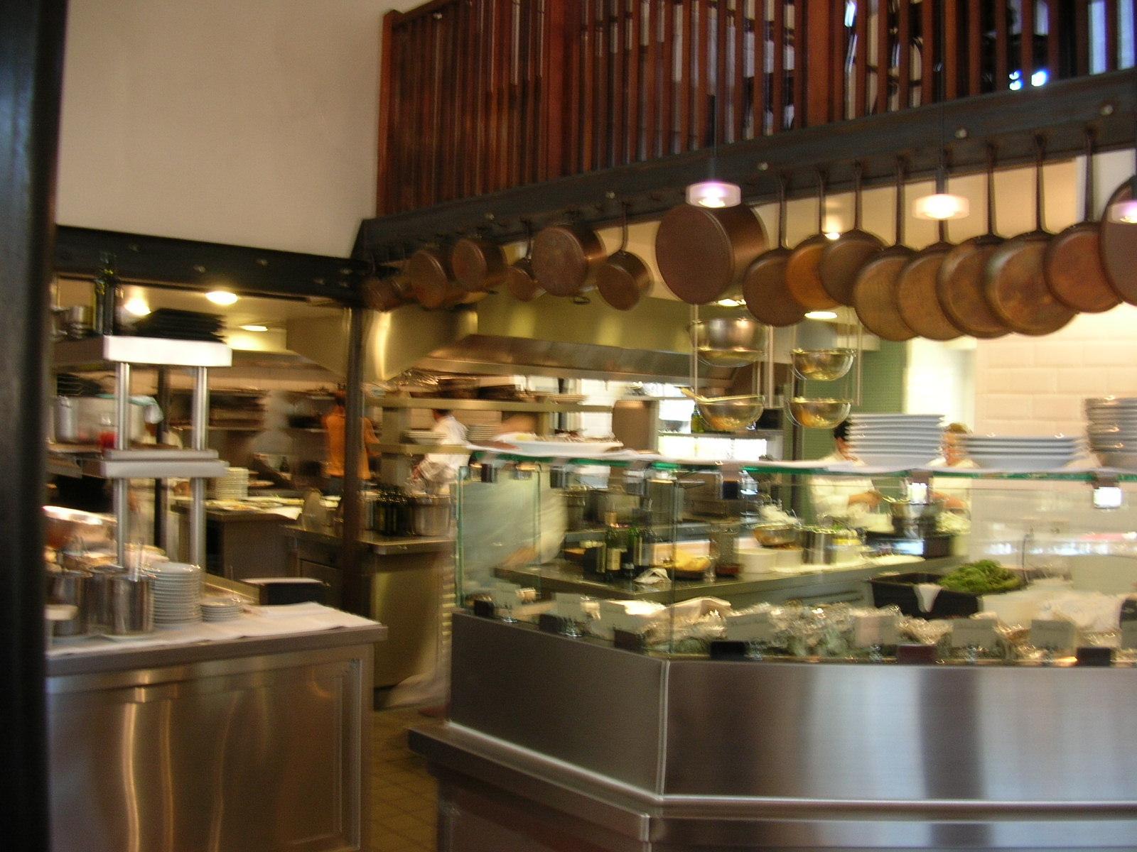 Sunrrestaurant kitchen for Kitchen cuisine